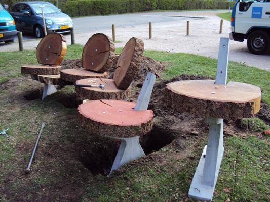 Parkbank van boomschijven
