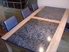 Eettafel plataanhout ingelegd met graniet